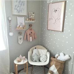 • RESTOCK • Ok we promise this is the last grey themed post for a while, but just love this little nursery nook featuring a gorgeous white knotball cushion! We have just restocked our white, pink and mint colours, so get in quick before they all go again! Search 'knot' www.muffinandmate.com.au ( perfection @luxebabylove )