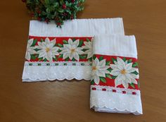 Kitchen Towels Crafts, Towel Crafts, Bathroom Towels, Dish Towels, Hand Towels, Tea Towels, Christmas Crafts, Christmas Decorations, Holiday Decor
