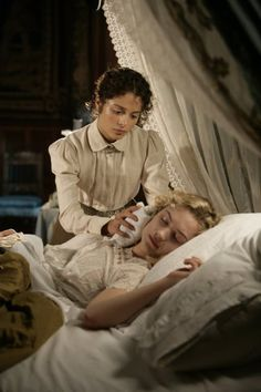 portrayal of lucy westenra and mina murray english literature essay English-language films british films count dracula brides of dracula mina harker dracula jonathan harker abraham van helsing arthur holmwood lucy westenra dracula in popular culture this is an essay / project.