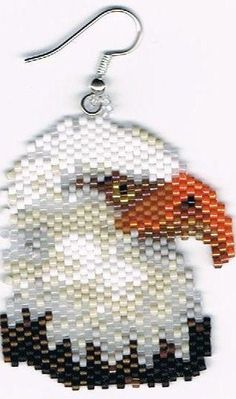 Here is a lovely pair of Bald Eagle dangling earrings. They measure 1 x There are 672 beads in 15 different colors. They were designed by Linda Seed Bead Patterns, Beaded Jewelry Patterns, Peyote Patterns, Beading Patterns, Beaded Earrings Native, Native Beadwork, Seed Bead Jewelry, Seed Bead Earrings, Seed Beads