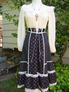 gold country girls: Whats Penny Wearing? #33 Gunne Sax Skirt