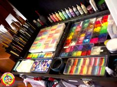When you think about face painting designs, you probably think about simple kids face painting designs. Many people do not realize that face painting designs go beyond the basic and simple shapes that we see on small children. Face Painting Supplies, Face Painting Tips, Face Painting Tutorials, Face Painting Designs, Painting Patterns, Paint Designs, Body Painting, Face Paintings, Art Supplies