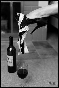 My Sensual Passions & Desires : Photo Boudior Poses, Boudoir Photography Poses, Boudoir Photos, White Photography, Portrait Photography, Art Photography Women, Shooting Photo Boudoir, Woman Wine, Photo Poses