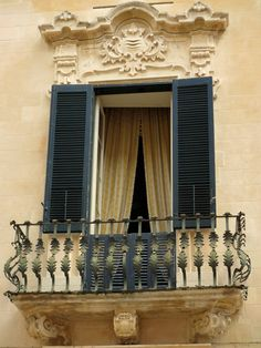 window in lecce italy