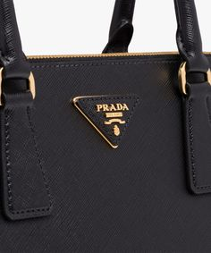 24a7b0fc26c Prada Galleria Saffiano leather bag Double leather handle Detachable  adjustable leather shoulder strap Gold-plated
