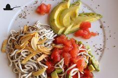 Ensalada de gula, guacate y tomate