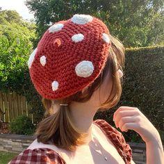 Cute Diys, Cute Crafts, Diy Crafts, Crochet Beret, Craft Kits, Lamb, Crochet Patterns, Kawaii, Fashion