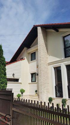 Proiect Casa Rezidentiala Arges – Profile Decorative Design Case, Beautiful Homes, Garage Doors, Villa, Farmhouse, Exterior, House Design, Windows, Outdoor Decor