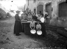 Ouvrières de l'usine de Brignac à Royères. J.B. Boudeau - Bfm Limoges www.boubeau.bm-limoges.fr