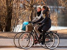 A new program in Sweden will motivate people to cycle instead of driving-the government is giving free bikes for six months.