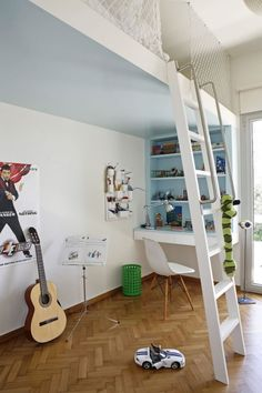 Rails like this in the ladder. loft bed idea
