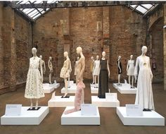 """TERESA HELBIG, Flowers by Bornay, Barcelona, Spain, """"On Show"""", photo by Atrezzo Mannequins, pinned by Ton van der Veer"""