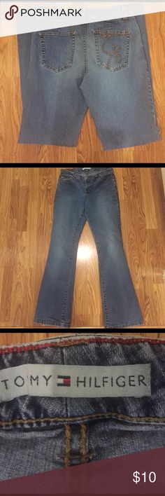 "Women's Tommy Hilfiger jeans Very good condition. Inseam measures 30"" Tommy Hilfiger Jeans"