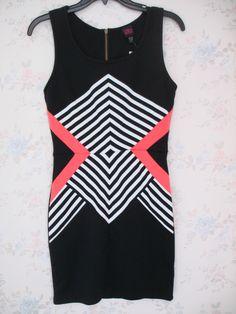 Vestido Bebe Color negro con diseño de listas