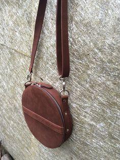 Circle Bag leather