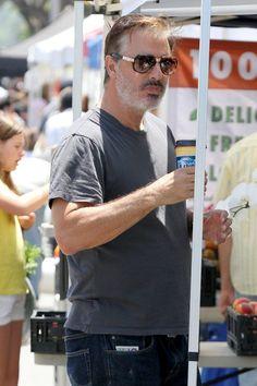 """Big"" celebrity: Chris Noth drinks coffee"