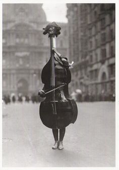 Haute in Philadelphia / karen cox. Otto Bettmann Walking Violin in Philadelphia Mummers' Parade, 1917 From The Bettmann Archive: More than 100 years of history Black White Photos, Black And White Photography, Mummers Parade, Double Bass, Yin Yang, Old Photos, Art Photography, Street Photography, In This Moment