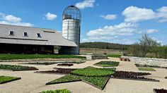 The Villandry Garden and Missouri Barn at Powell Gardens Ha Ha Tonka, Powell Gardens, St Louis Zoo, Silver Dollar City, Missouri, State Parks, Things To Do, Places To Visit