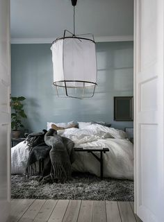 'Minimal Interior Design Inspiration' is a weekly showcase of some of the most perfectly minimal interior design examples that we've found around the web - all Cozy Bedroom, Dream Bedroom, Modern Bedroom, Bedroom Decor, Bedroom Ideas, Interior Design Examples, Interior Design Inspiration, Home Interior Design, Design Ideas