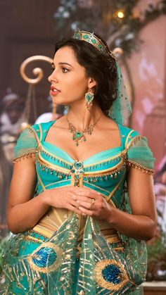 "Naomi Scott as Princess Jasmine in ""Aladdin"" Aladdin Musical, Aladdin Live, Watch Aladdin, Naomi Scott, Walt Disney, Disney Live, Disney Princesa Jasmine, Jasmine E Aladdin, Genie Aladdin"