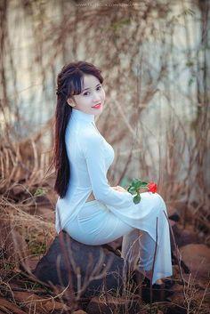 Áo Dài slut for sex Vietnamese Traditional Dress, Vietnamese Dress, Traditional Dresses, Ao Dai, Cute Asian Girls, Fashion Tips For Women, Beautiful Asian Women, Asian Woman, Asian Beauty