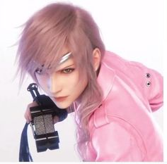"""Overseas media company Gamespot has reported that """"Final Fantasy XIII"""" series character Lightning and Louis Vuitton have collaborated together for a project."""