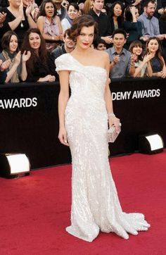 Mila Jovovich. Finishes out my top 3 of the night. LOVE oscar style when it evokes old hollywood glamour.