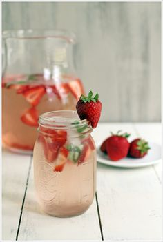 Around the Web: Favorite Flavored Water Recipes | SocialCafe Magazine