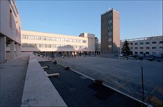 Guidonia (RM), piazza Matteotti (già piazza del Municipio): palazzo del comune (Giuseppe Nicolosi, 1937), ex casa del fascio e torre littoria (Giorgio Calza Bini, 1937)
