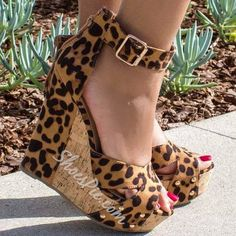 Shoespie Sexy Leopard Buckle Wedge Sandals Too high for me, but certainly cute Sexy High Heels, Wedge Sandals, Wedge Shoes, Leopard Print Wedges, Hot Shoes, Women's Shoes, Shoes Style, Me Too Shoes, Fashion Shoes