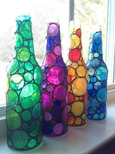 Diy Crafts - Four stained bubbly glass bottles (painted) Painted Glass Bottles, Glass Bottle Crafts, Wine Bottle Art, Diy Bottle, Bottles And Jars, Glass Jars, Painted Jars, Decorated Bottles, Glass Paint