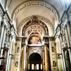 San Petronio Basilica. I'm not religious but I believe in the cooling effect of Italian churches #Bologna - Instagram by reisefreunde