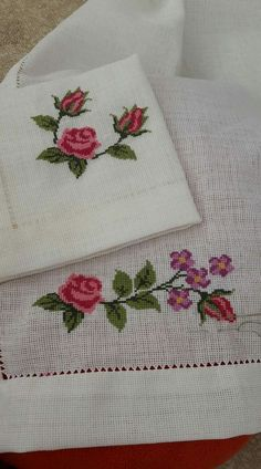 This Pin was discovered by Mel Hardanger Embroidery, Flower Embroidery Designs, Bead Loom Patterns, Bargello, Loom Beading, Cross Stitch, Diy Crafts, Quilts, Beads