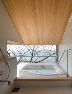 Badezimmer Dachschräge Weiß Badewanne