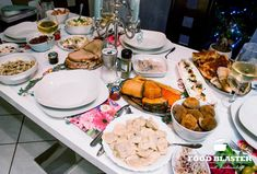 Polish Christmas: a lot of delicious food and especially carp. There are r … - Suppe Polish Christmas, Carp, Table Settings, Yummy Food, Tortellini, Drinks, Food And Drinks, Delicious Food, Common Carp