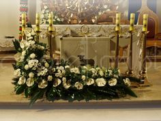 bukiet przed ołtarz - Szukaj w Google Alter Flowers, Church Flowers, White Flowers, Easter Flower Arrangements, Large Floral Arrangements, Altar Decorations, Flower Decorations, Funeral Arrangements, Church Design