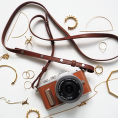 Olympus Camera - A Helpful Article About Photography That Gives Many Ideas Pen Camera, Camera Nikon, Camera Phone, Camera Gear, Photography Camera, Iphone Photography, Photography Tips, Leica, Best Professional Camera