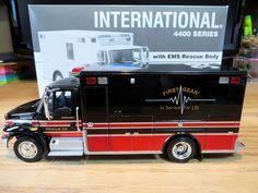 International 4400 with EMS Rescue Body 1:34 Diecast First Gear Unit 39 #FirstGear #International