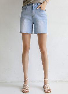 Styleonme_Double Button Mid Rise Denim Shorts . . #styleonme_global #fashion #instagood #picoftheday #photooftheday #style #ootd #mixandmatch #shopping #instadaily #instafashion #selfie #fashionstagram #kstyle #kfashion #koreanlook #koreandaily #koreanfashion #kbeauty #followme #like4like #dailylook #styleonme #classy #koreanfashion #fashionkorea #ontrend #newarrivals #transitionalclothing #kdramafashion #ss21 #denimshorts #shorts #midriseshorts #lightdenimshorts Jeans Pants, Denim Shorts, Korean Look, Korea Fashion, Light Denim, Korean Women, Daily Look, Perfect Fit, Like4like