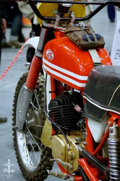 "two-gun-salute: ""Loads of neat details on this Jawa enduro @ the Dirt Bike show earlier this year. "" perfect"