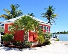 Castaways Beach And Bay Cottages - The hotel Castaways Beach And Bay Cottages provides good lodging in Sanibel Island. Major Sanibel Island sights, such as Captiva Chapel By-The-Sea, Bowman's Beach and The Bailey-Matthews Shell Museum are located nearby. Best Family Vacation Spots, Best Island Vacation, Vacation Places, Dream Vacations, Vacation Ideas, Beach Vacations, Vacation Food, Vacation List, Florida Vacation