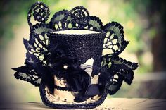 Black and White Ball Mini top hat fascinator, birthday parties, Victorian, photos, pageants, holidays, costumes, Halloween, Steampunk. $27.50, via Etsy.