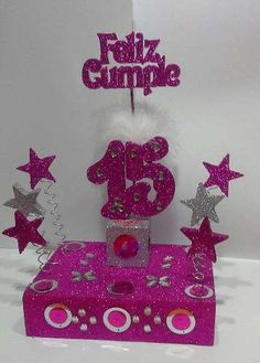 Melinterest Argentina. Adornos De Torta Para 15 Años Con Base De Telgopol Gibreada Ideas Para Fiestas, Party Centerpieces, Quinceanera, Mickey Mouse, Barbie, Design, 15 Years, Parties Decorations, Souvenir Ideas