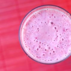 Nutritious yogurt smoothie – Prepare this delicious smoothie for breakfast to power up for the day