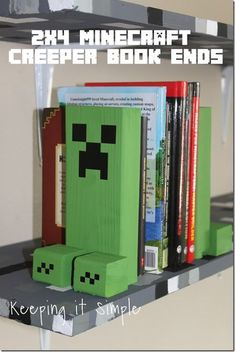 Gifts For Kids Super easy Minecraft Decor Idea- Creeper book ends. Perfect for a shelf or … Minecraft Party, Minecraft Crafts, Minecraft Houses, Minecraft Room Decor, Creeper Minecraft, Minecraft Cake, Minecraft Furniture, Minecraft Skins, Diy Minecraft Decorations