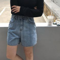 Find images and videos about grunge, clothes and jeans on We Heart It - the app to get lost in what you love. Cool Style, My Style, High Rise Shorts, My Outfit, Outfit Ideas, How To Look Pretty, Korean Fashion, Denim Jeans, Summer Outfits