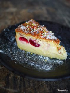 Gâteau magique aux cerises Magic Custard Cake, Custard Pudding, Cake Factory, Sweet Pie, Cooking Recipes, Healthy Recipes, Piece Of Cakes, How Sweet Eats, Food To Make