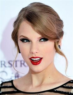 I'm a directioner.  i love taylor swift with all my heart. she is such an inspiration to me and i will forever be thankful <3 i don't care about the hate she gets, i will always support her.
