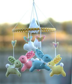 Baby mobile - Bunny mobile - baby gift - multicolor - made .- Bebé móvil – Bunny móvil – bebé regalo – multicolor – hecho a la medida Baby mobile – Bunny mobile – baby gift – multicolor – custom made, of the blue part # - Baby Crafts, Felt Crafts, Easter Crafts, Diy And Crafts, Felt Mobile, Baby Crib Mobile, Party Kulissen, Hanging Mobile, Baby Bunnies