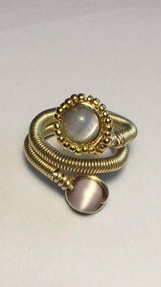 Anillo ojo de gato Mixed Metal Jewelry, Wire Jewelry, Boho Jewelry, Jewelry Rings, Jewelery, Fashion Jewelry, Wire Rings, Wire Wrapped Rings, Wire Crafts